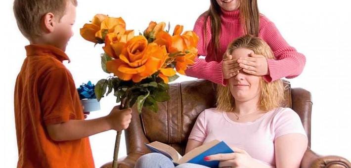 Наступает Новый Год. Что подарить маме?