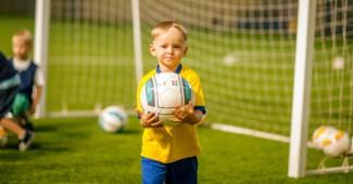 Какой футбольный клуб для детей самый лучший?