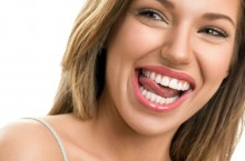 Как в домашних условиях отбеливать зубы?