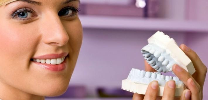 Где протезировать зубы в Москве?
