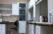 Где можно выбрать качественную лабораторную мебель?