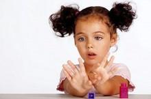 Как сделать детский маникюр?
