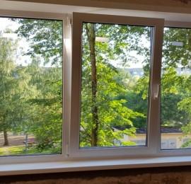 окна платиковые или деревянные